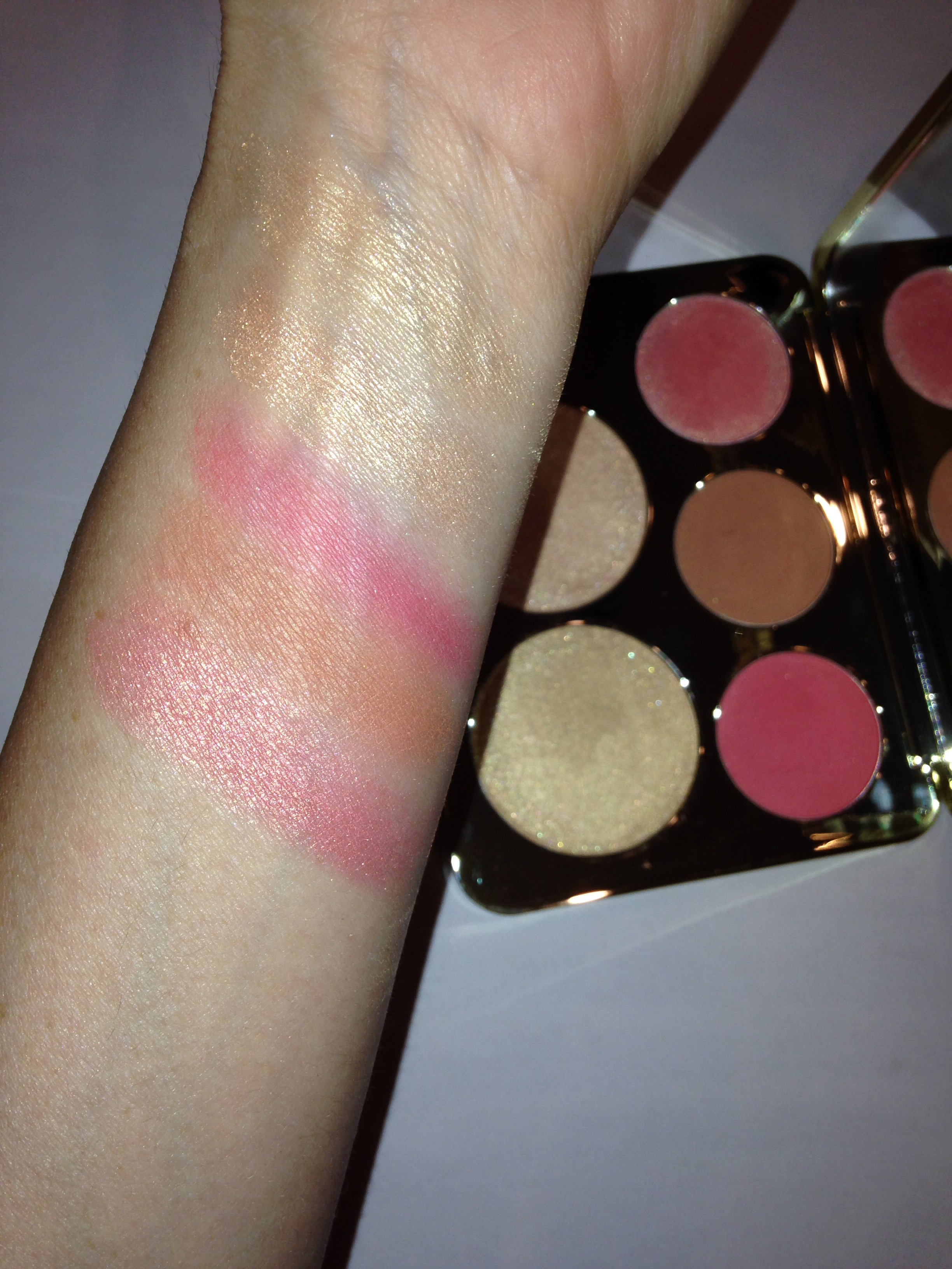 Be A Light Face Palette by BECCA #17