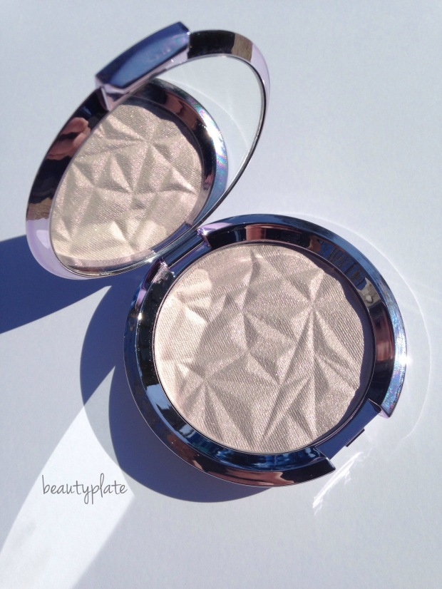 BECCA, BECCA Cosmetics Prismatic Amethyst, Highlighter, mybeautyplate,  BECCA swatches,  shimmering skin perfector pressed, BECCA GLOW, highlight, beauty blog, makeup swatch, beautyplate, NEW release, new makeup, spring 2017, Limited Edition, duo chrome pigment